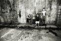 Fotografia: Cigánčatá, fotograf: Matej Červeňák, tagy: rom, stena