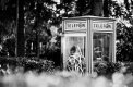 Fotografia: Kontrasty , fotograf: Nicol Urbanová, tagy: Krosno, Poľsko, telefonat, muž