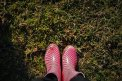 Fotografia: Labky mojej žabky, fotograf: Erik Mihalda, tagy: Pôda, gumáky.