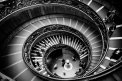 Fotografia: Obyčajná vývrtka, fotograf: Andrej Lenčucha, tagy: bw, schody, ludia